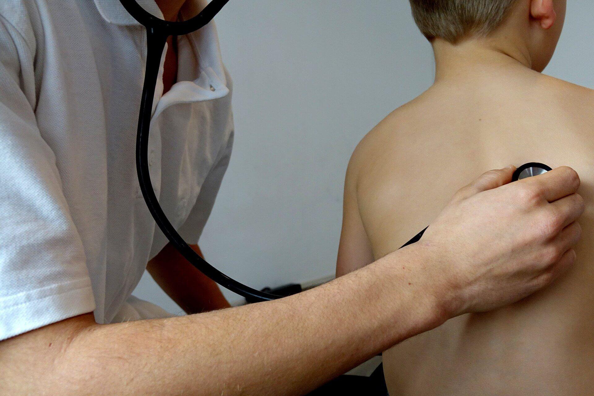 Asthmaspray sollte im besten Fall von Arzt oder Ärztin verschrieben werden.